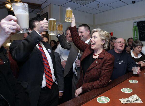 Hillary Clinton w restauracji Bronko w mieście Crown Point - Sputnik Polska