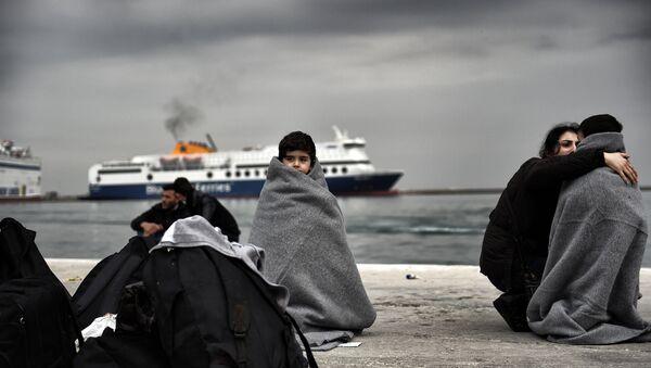 Imigranci na greckiej wyspie Lesbos - Sputnik Polska