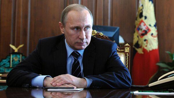 Prezydent Rosji Władimir Putin i dowódca wojsk wewnętrznych MSW Wiktor Zołotow na Kremlu - Sputnik Polska