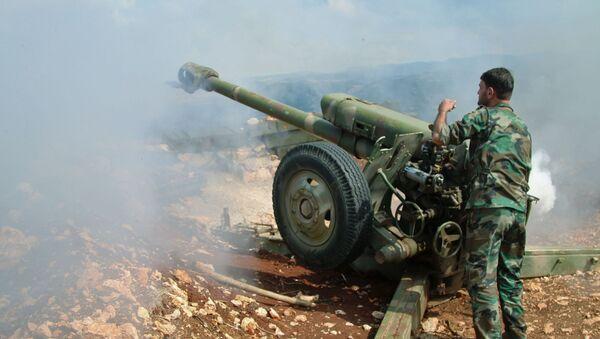 Członek syryjskiego ruchu oporu w miejscowości Baruda na północy prowincji Latakia - Sputnik Polska