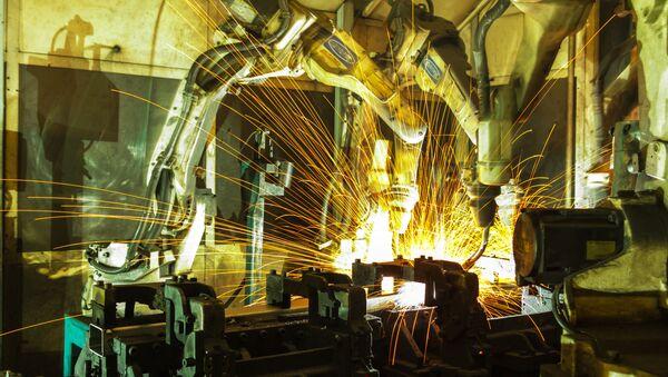 Robot do spawania metali - Sputnik Polska