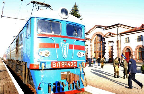 Pociąg pasażerski jadący do granicy z Rosją - Sputnik Polska