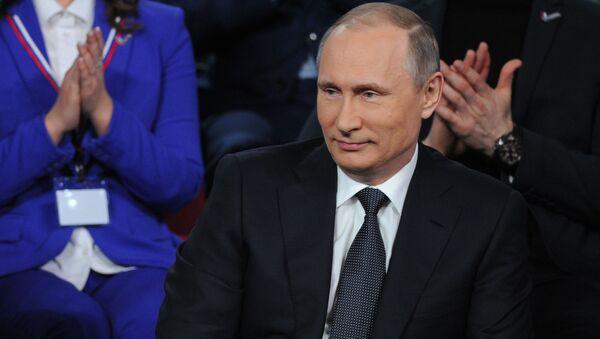 Władimir Putin na III Frum Medialnym Prawda i Sprawiedliwość - Sputnik Polska