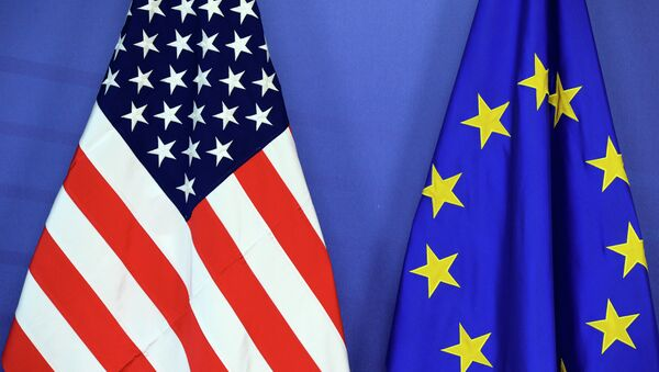 Flagi UE i USA - Sputnik Polska