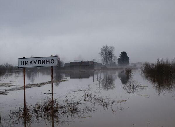 Powódź na wsi Nikulino w Wołogdzie - Sputnik Polska