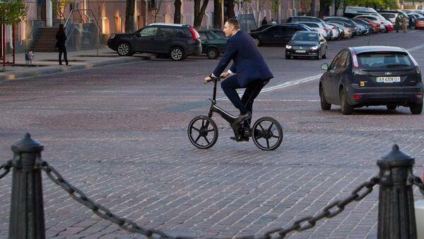 Mer Kijowa Witalij Kliczko na rowerze - Sputnik Polska