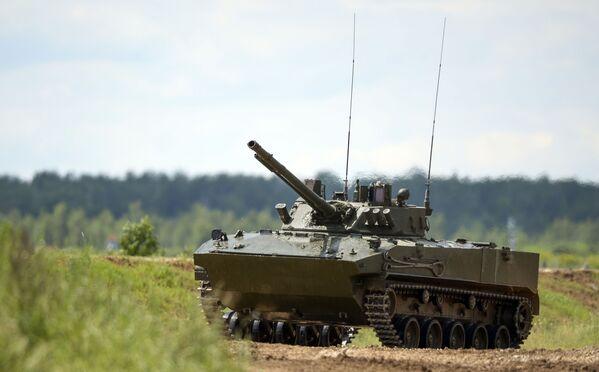 Bojowy wóz piechoty BMD-4 na międzynarodowym forum wojskowo-technicznym WOJSKO-2015 w Kubince - Sputnik Polska