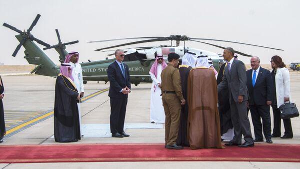 Prezydent USA Barack Obama po przybyciu na lotnisku w Rijadzie w Arabii Saudyjskiej - Sputnik Polska