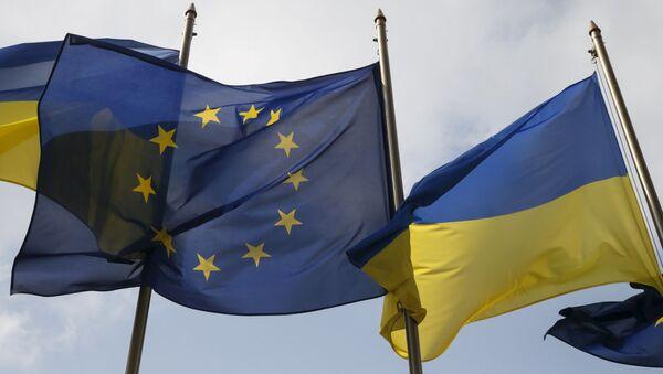Flagi UE i Ukrainy w Kijowie - Sputnik Polska
