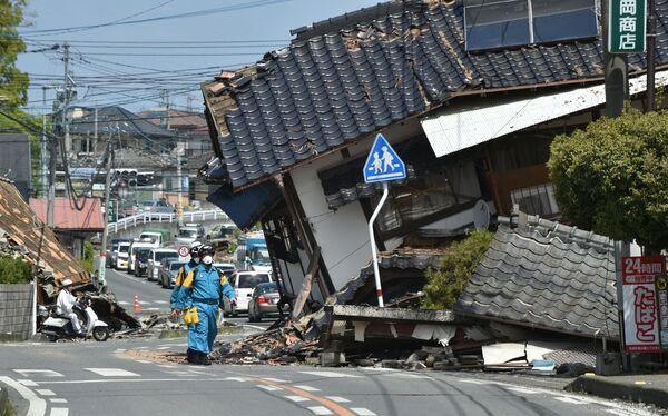 Operacja ratownicza po trzęsieniu ziemi w prefekturze Kumamoto - Sputnik Polska