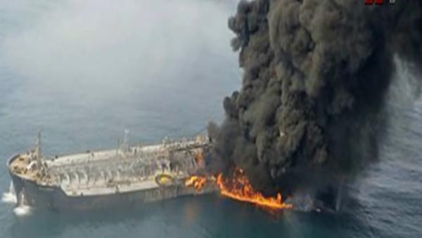 Pożar rosyjskiego tankowca na Morzu Kaspijskim - Sputnik Polska