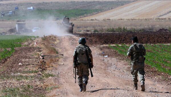 Tureccy wojskowi na turecko-syryjskiej granicy w rejonie miasta Kilis - Sputnik Polska