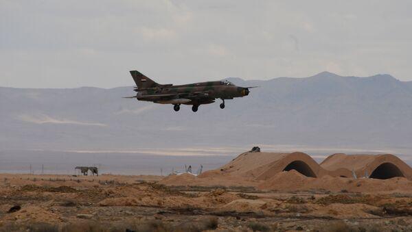 Samolot syryjskich sił powietrznych na lotnisku Tejas 50 km od Palmyry - Sputnik Polska
