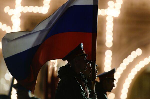 Poczet sztandarowy podczas próby parady wojskowej z okazji 71. rocznicy Dnia Zwycięstwa w Wielkiej Wojnie Ojczyźnianej na Placu Czerwonym w Moskwie. - Sputnik Polska