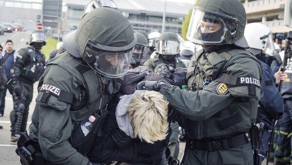 Protesty w Stuttgarcie - Sputnik Polska