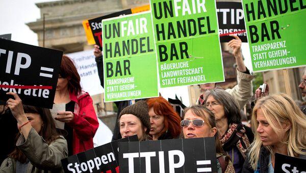 Demonstracja w Niemczech przeciwko TTIP - Sputnik Polska