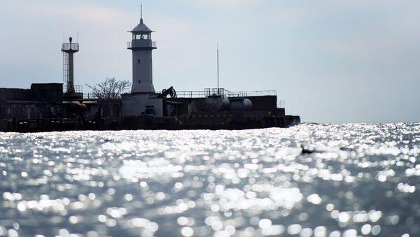 Latarnia w Jałcie na Morzu Czarnym - Sputnik Polska