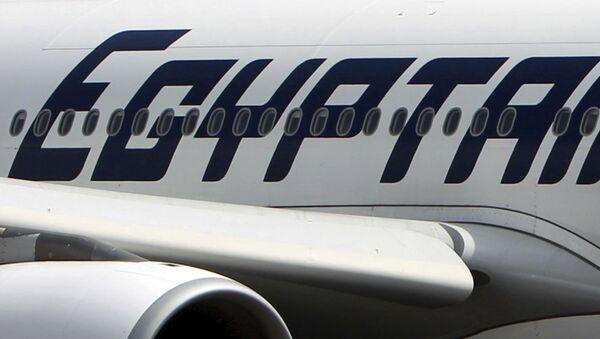 Samolot inii lotniczej EgyptAir na lotnisku w Kairze - Sputnik Polska