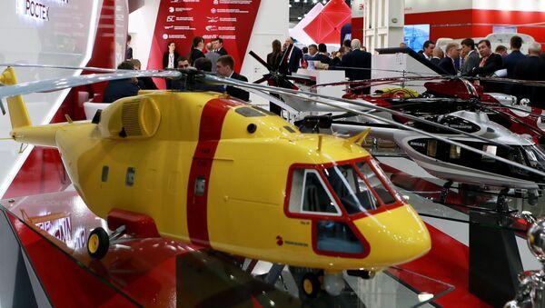Modele helikopterów na stoisku Śmigłowce Rosji na IX Międzynarodowej Wystawie Przemysłu Śmigłowcowego HeliRussia 2016 - Sputnik Polska