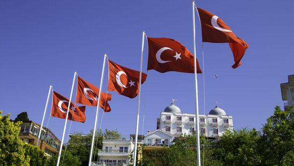 Flagi Turcji na wyspie Büyükada niedaleko Stambułu - Sputnik Polska