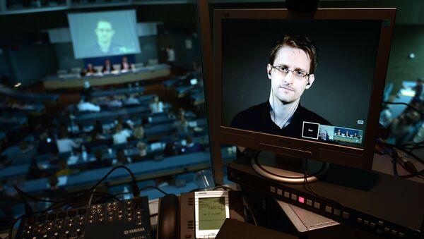 NSA former intelligence contractor Edward Snowden - Sputnik Polska