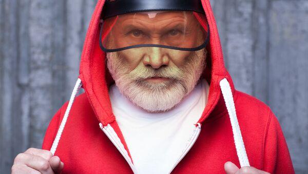Starszy pan w bluzie - Sputnik Polska