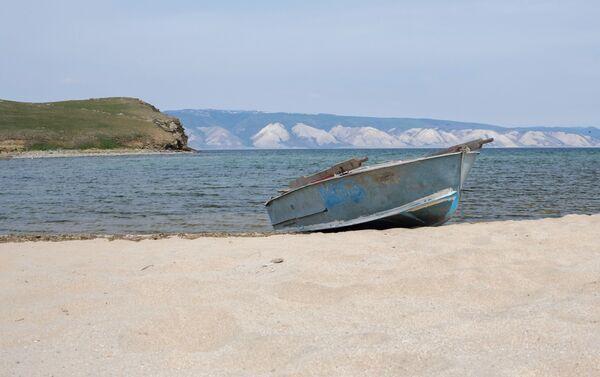 Wyspa Olchon na jeziorze Bajkał i cieśnina Morza Małego - Sputnik Polska