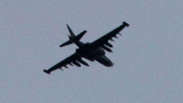 Samolot szturmowy Su-25 w Doniecku - Sputnik Polska
