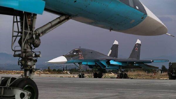 Su-34 w bazie Hmeimim - Sputnik Polska