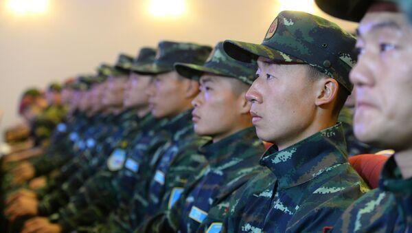Żołnierze Narodowej Policji Zbrojnej Chin - Sputnik Polska