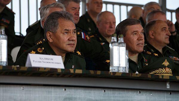 Minister obrony Rosji Siergiej Szojgu na pokazie w ramach II Międzynarodowego Forum Wojskowo-Technicznego Armia-2015 - Sputnik Polska