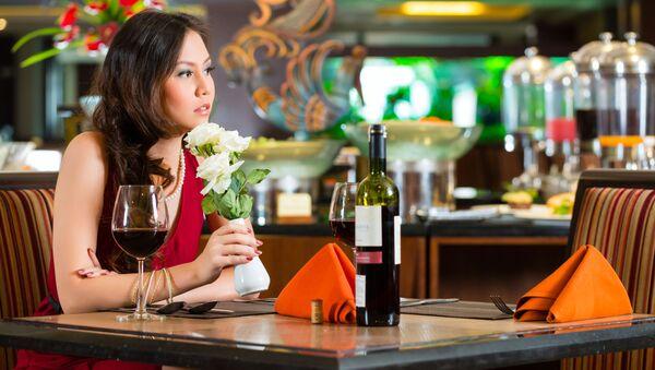 Kobieta w restauracji - Sputnik Polska