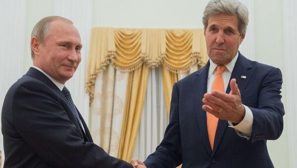 Prezydent Rosji Władimir Putin i sekretarz stanu USA John Kerry - Sputnik Polska