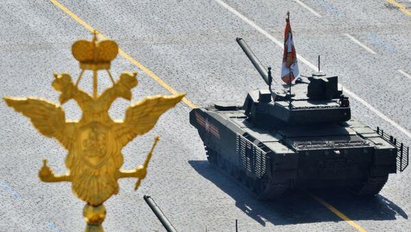 Tank T-14 Armata na Defiladzie Zwycięstwa 9 maja 2015 - Sputnik Polska