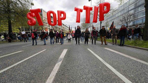Demonstracja w Hanowerze przeciwko TTIP - Sputnik Polska