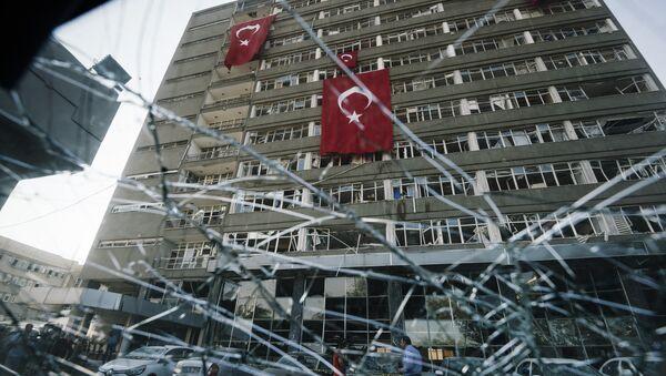 Ulice Stambułu po probie zamachu stanu - Sputnik Polska