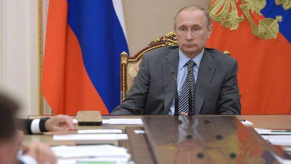 Prezydent Rosji Władimir Putin na spotkaniu z członkami rządu na Kremlu - Sputnik Polska