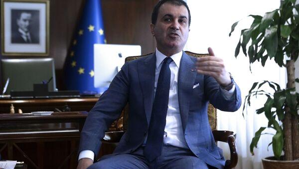 Turecki minister ds. Unii Europejskiej Omer Celik - Sputnik Polska