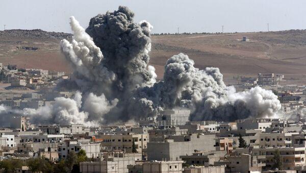 Kobani po bombardowaniach amerykańskich sił powietrznych, Syria - Sputnik Polska