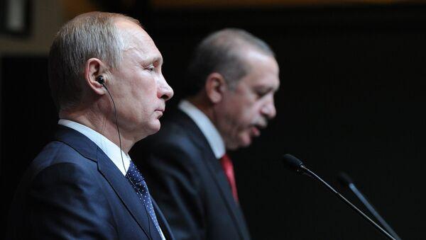 Prezydent Rosji Władimir Putin i prezydent Turcji Recep Tayyip Erdoğan na konferencji prasowej w Ankarze, 1 grudnia 2014 r. - Sputnik Polska