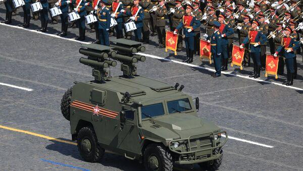 Czołg podczas Defilady na Placu Czerwonym - Sputnik Polska