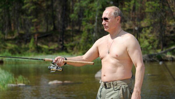 Prezydent Rosji na rybach w Republice Tuwy - Sputnik Polska
