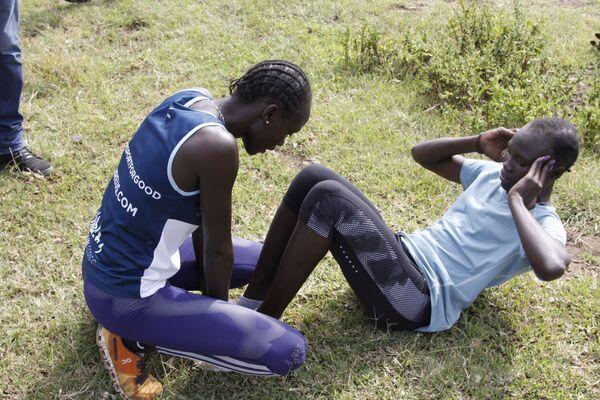 Członkowie reprezentacji olimpijskiej uchodźców  Anjelina Nadai Lohalith i Rose Nathike Lokonyen podczas treningu w Kenii, 30.06.2016. - Sputnik Polska