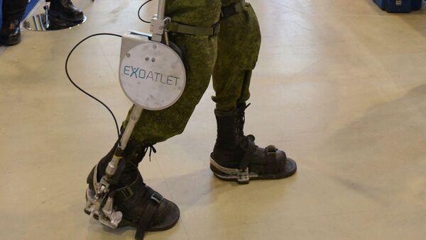 Egzoszkielet ExoAtlet P-1  dla oddziałów szturmowych na XVII Międzynarodowych Targach Interpolitech-2013 w Moskwie - Sputnik Polska