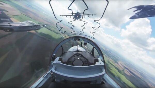 Wideo 360 stopni z kabiny rosyjskiego samolotu Jak-130 - Sputnik Polska
