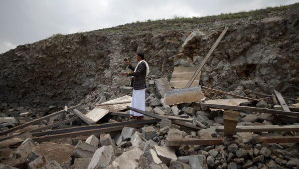 Naloty koalicji arabskiej w Jemenie - Sputnik Polska