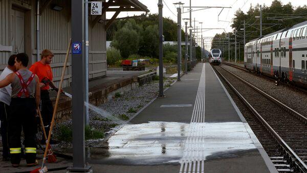 Atak nożownika w szwajcarskim pociągu - Sputnik Polska