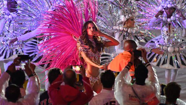 Brazylijska modelka Izabel Goulart podczas ceremonii zamknięcia XXXI Letnich Igrzysk Olimpijskich - Sputnik Polska