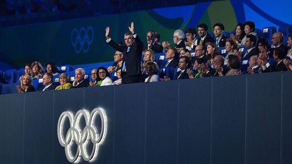 Przewodniczący MKOI Thomas Bach podczas ceremonii zamknięcia XXXI Letnich Igrzysk Olimpijskich - Sputnik Polska