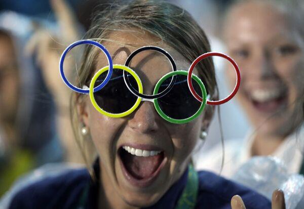 Amerykanka Jackie Briggs podczas ceremonii zamknięcia XXXI Letnich Igrzysk Olimpijskich - Sputnik Polska
